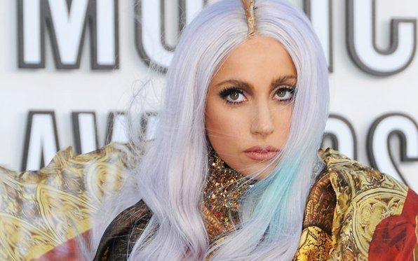 Lady Gaga vuole un figlio da un uomo, meglio se siciliano, attraverso la fecondazione assistita. Verità o abile colpo di marketing?