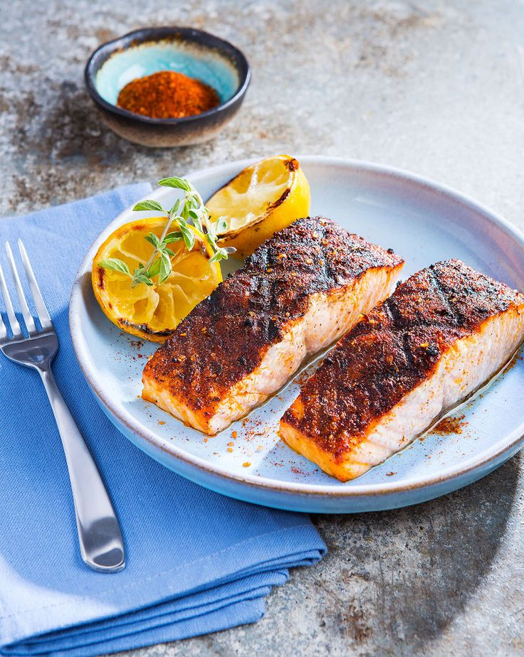 4 Servings--Essential Tools Instant-read thermometer  --Ingredients  4 (8-ounce) skin-on salmon fillets  2 tsp Twisted Q Off the Hook Fish Seasoning Vegetable oil (for grill) --Directions Sprinkle salmon with Off the Hook Fish Seasoning.  Preheat a gas or charcoal grill on medium-high heat (350°F). Oil a clean kitchen towel and use tongs to coat the hot grill grate with oil. Use