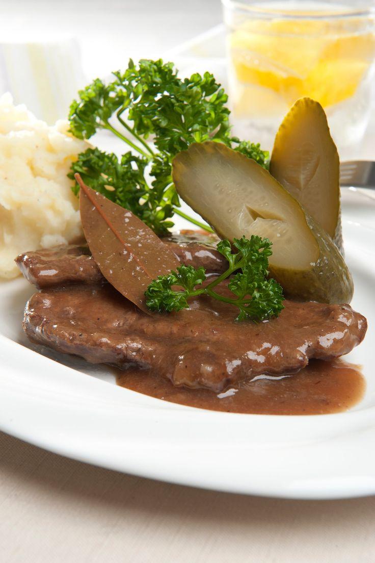 Har du lyst til fedtfattig dansk mad i aften? Så prøv denne skønne opskrift på bankekød med kartoffelmos.