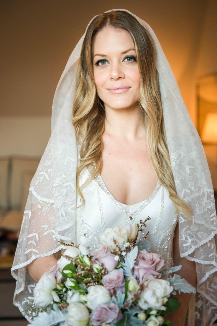 Классный портрет невесты с мягким светом на 45 мм и более узкое стекло