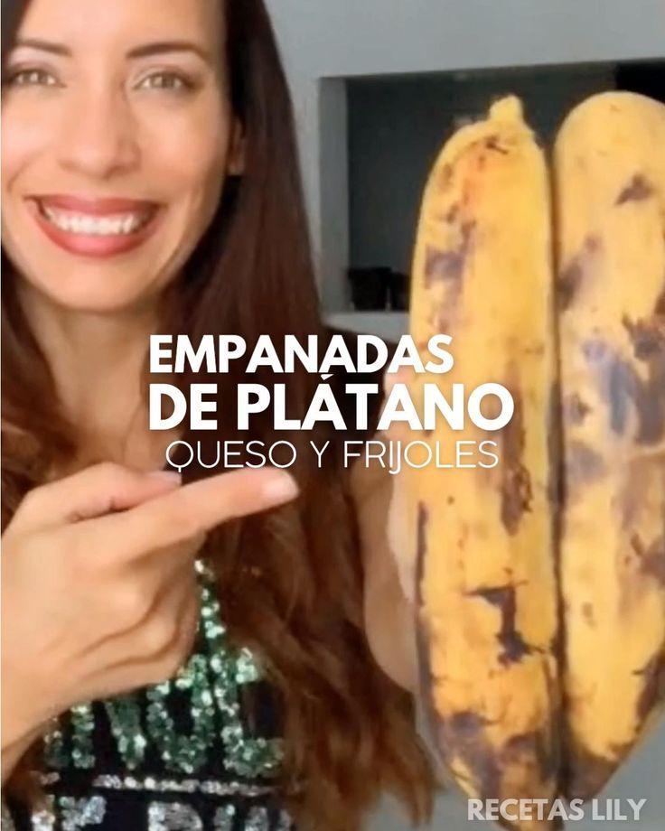 Te va a encantar esta combinación con un sabor muy típico venezolano en una empanada saludable Healthy Sweets, Healthy Dinner Recipes, Vegetarian Recipes, Best Broccoli Cheese Soup, Mexican Main Dishes, Latin American Food, Homemade Pastries, Banana Bread Recipes, Air Fryer Recipes