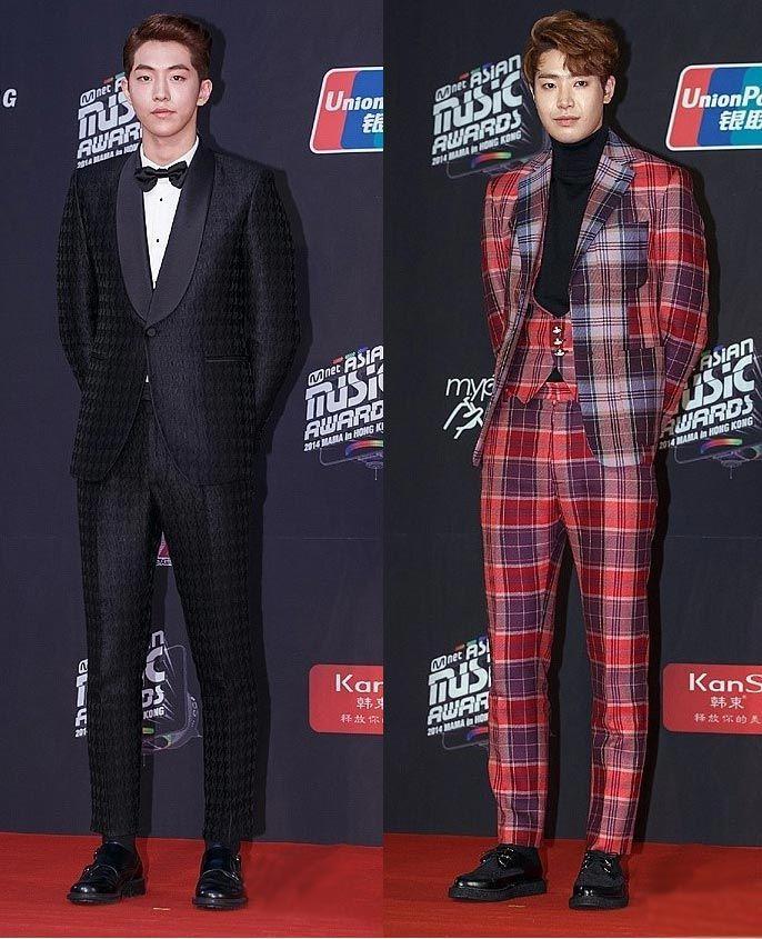 2014-MAMA-Awards-K-Star-Fashion Para pria yang terlihat menonjol di 2014 MAMA Awards adalah model Korea yang akhir-akhir ini sangat populer,  Nam Joohyuk, dan tokoh utama 'Roommate', Park Minwoo! Selain Best Dressed tentunya juga ada Worst Dressed...!