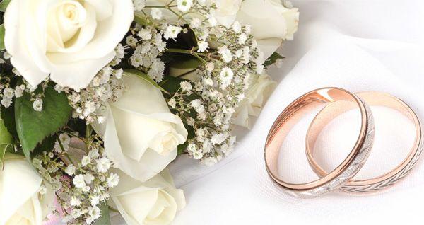 memilih cincin kawin adalah hal yang sangat penting bagi setiap pasangan yang akan melanjutkan hubungannya ke arah yang serius