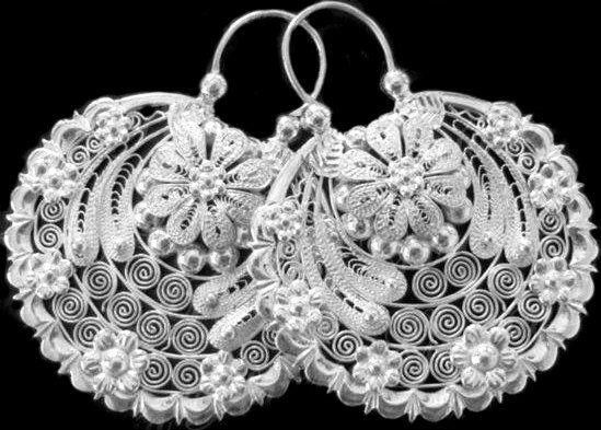 Frida style HoopsArracadas Jerezanas by titarubli on Etsy, $160.00