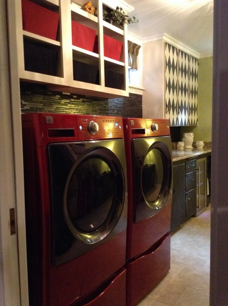 small laundry room makeover house flipping pinterest. Black Bedroom Furniture Sets. Home Design Ideas