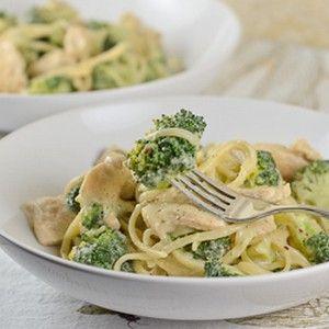 #Spaguetti con brócoli, pollo y salsa de queso