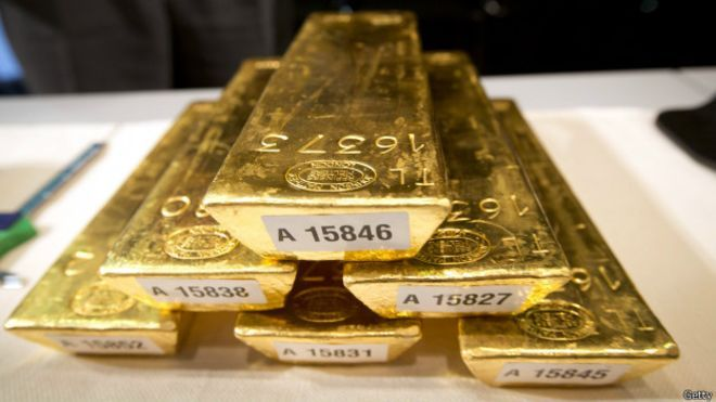 """""""HISTORIAS RELEVANTES"""" de @jatilanomm: ¿Por qué el precio del oro está en caída libre?"""
