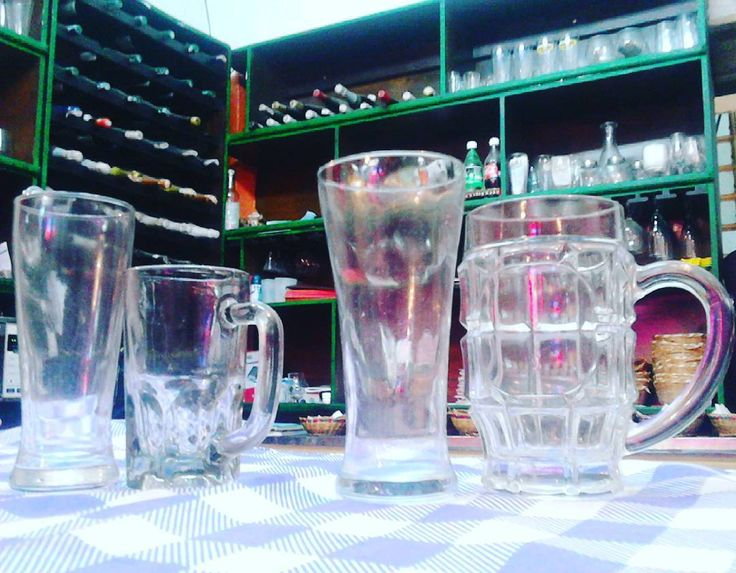 Mi nuevo trabajo tiene muy buena colección en cristalería todo para un buen BarRestaurante. Y unos buenos vasos Pilsen y Tarros para #cerveza #cervezas #pilsen #cristal #cristals #cristales #vaso #vasos #andino #hoteles #hotel #hoteleria #restaurant #bar #bartender #barmans #disco #discoteca #cócteles #cóctel #copa #cocktail #coctail #restaurant #restaurante #copa #copas #cup