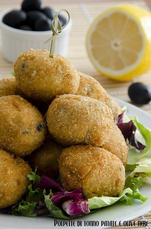 Polpette di tonno patate e olive nere