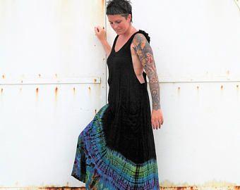 robe longue tie dye; robe longue à fond noir tie dye bleu; dos nu;