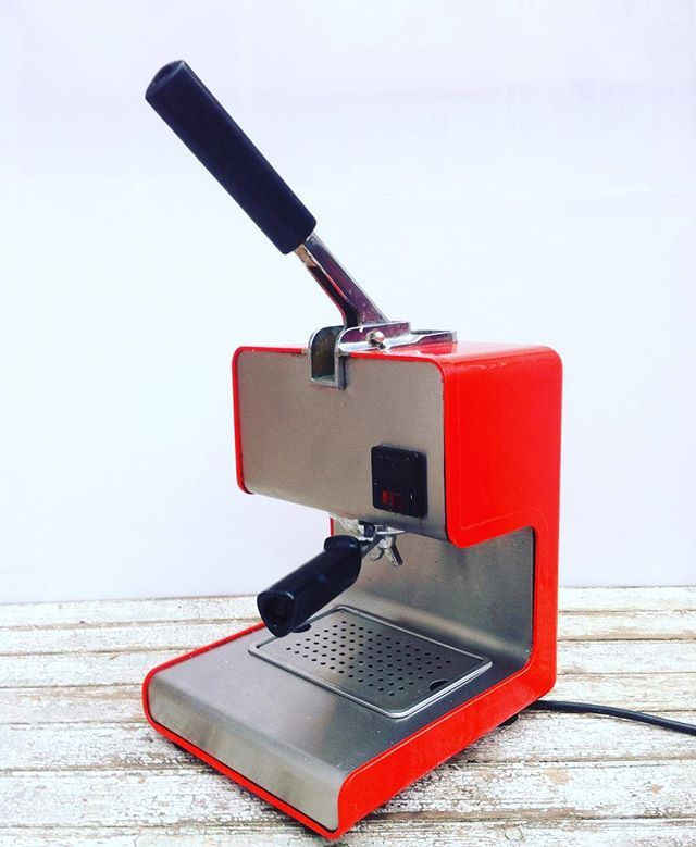 vago.amorVintage lever espresso coffee lever machine Mini Gaggia by André Ricard. Barcelona. Spain. 1960. Out of stock. #espresso #espressomachine #espresso #lacampeona #gaggia #minigaggia #coffee #coffeetime #vintage #antique #industrial #design #architecture #studio #lixury #unique #cafe #spain #spanishdesign #spanish  #levermachine #forsale  #andrericard