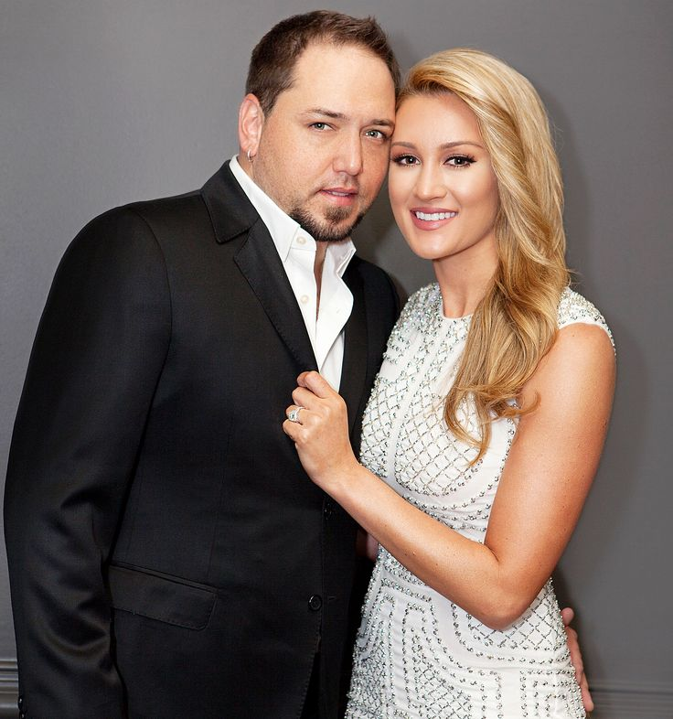 Get all the details -- and see exclusive photos -- from Jason Aldean and Brittany Kerr's swanky engagement party in Nashville!