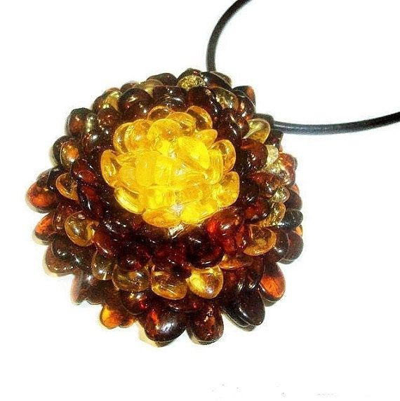 Large Baltic amber flower pendant necklace Flower amber jewelry Amber necklace adult Mom day gift wife sister Natural stone flower necklace