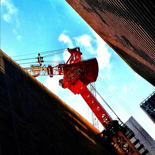 Interlock crane