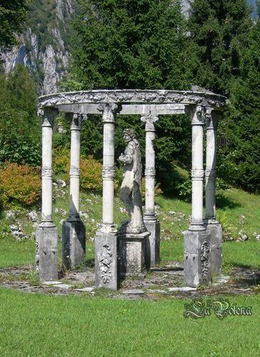 https://flic.kr/p/PaQHMM   Secret Garden   Cantoniera della Presolana, 26.08.2015 (private garden)