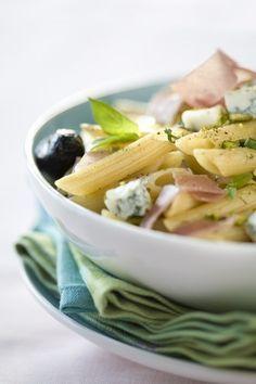 20 receitas de macarrão - Salada de penne com gorgonzola