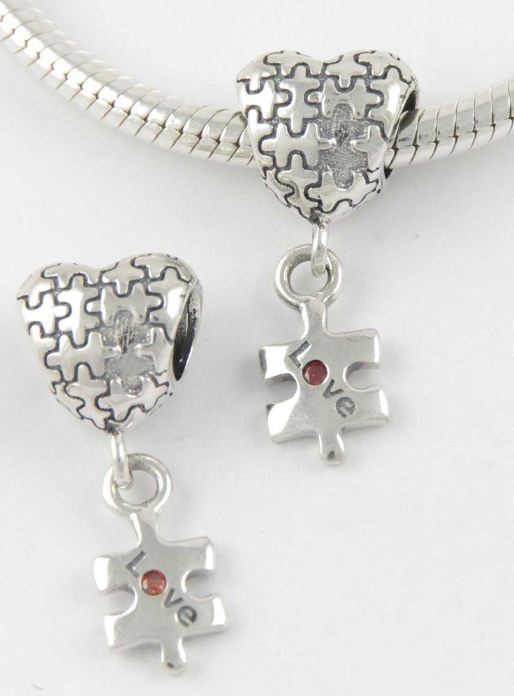 Berloque em Prata 925 Coração com Pendente Peça Quebra Cabeça Love #coração #amor #love #charms #berloques #prata #prata925