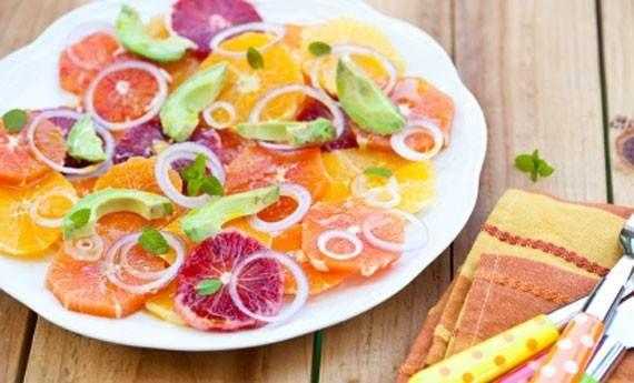 Insalata di arance e avocado per depurarsi e restare leggeri!....Per la ricetta consultate il mio sito oppure scrivetemi nei commenti!