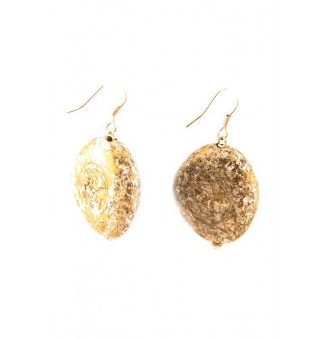 A blend of antique and metallic stain to create this beautiful, earthy pair of earrings.