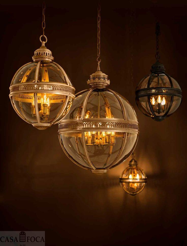 Corpuri de iluminat moderne si in acelasi timp incarcate de eleganta clasica a conacelor anilor '20. Lanterne, candelabre, lustre oferite de #casafoca