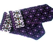Hand knitted mittens Warm gloves Knit wool gloves Wool mittens Winter gloves Patterned mittens Purple winter ornament on a black background