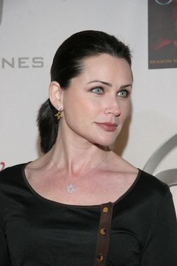 http://vignette2.wikia.nocookie.net/24wikia/images/e/e8/24_S5_DVD_release_%26_S6_premiere_party-_Rena_Sofer.jpg/revision/latest/scale-to-width-down/250?cb=20141023063619