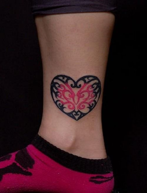Heart Tattoo, I like this one, could be on my hand...