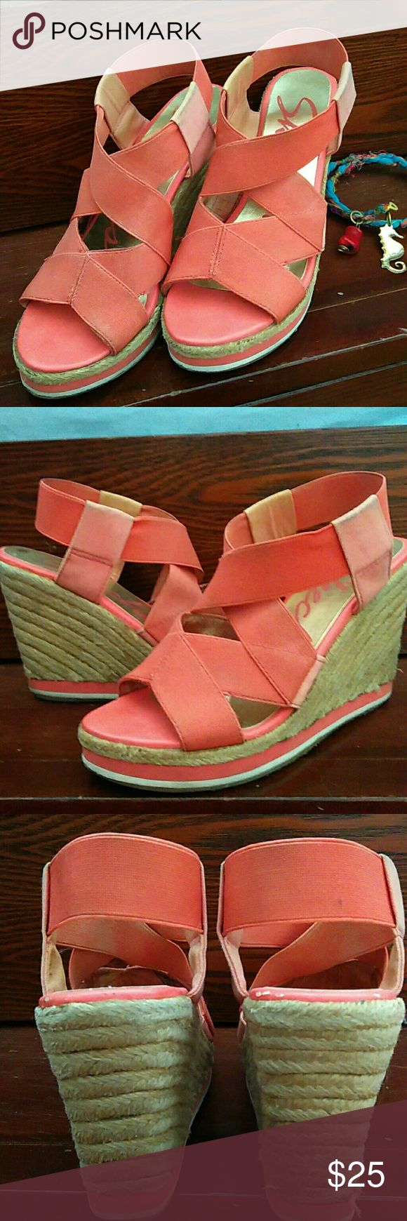 Skechers wedges In good condition... Loved this looks great! Skechers Shoes Wedges
