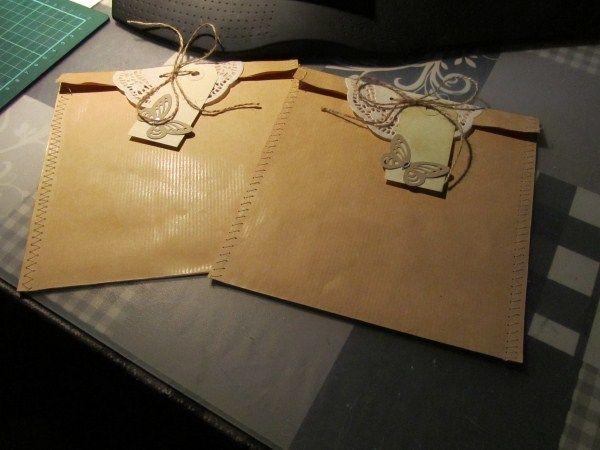 Van de week ben ik bezig geweest met het maken van cadeauzakjes voor kaarten.  Het was een simpel ideetje, maar ik ben er toch een aardige t...