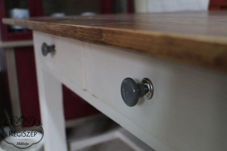 Egy régi, 100 éves asztal felújítása - ASCP Old White, Clear wax, asztallap dark wax