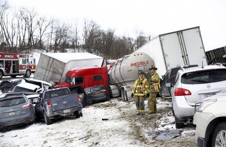 Более 50 автомобилей столкнулись на трассе в Пенсильвании