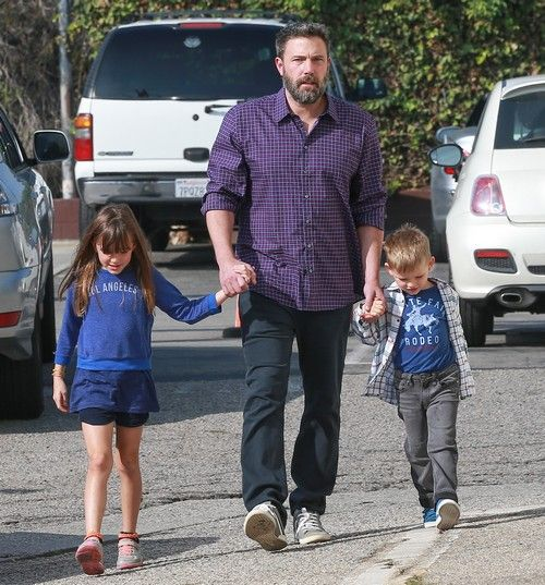 Ben Affleck and Jennifer Garner are apparently reconciling. There's new speculation that the couple's divorce has been canceled,