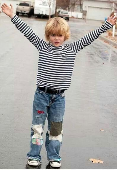 Kid dressed as Kurt Cobain