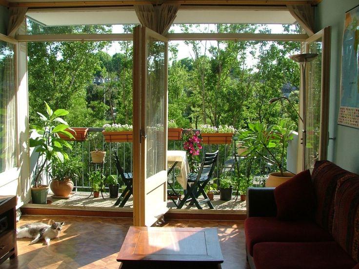 french style balcony: Gardens Ideas, Small Balconies, Decor Ideas, Green Garden, Gardens Design Ideas, Apartment Design, Apartment Balconies Gardens, Glasses Doors, Gardens Tips