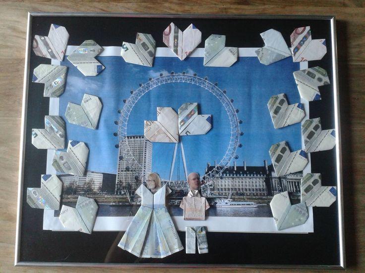 Trouwcadeau dat we maakten voor Bram en Sarah -- Hij vroeg haar ten huwelijk op 'the london eye' ** Geld vouwen **