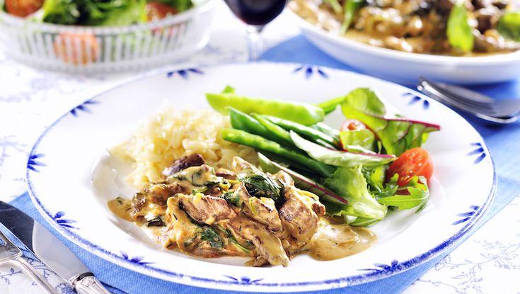 Lövbiff är perfekt när du vill ha en god och snabblagad köttgryta. Testa den här krämiga varianten med extra sting av curry.