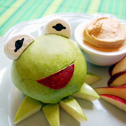 Turn Your Afternoon Snack Into Kermit the FrogFun Food, Healthy Snacks, Kermit, Apples Slices, The Muppets, Frogs, Eating Healthy, Peanut Butter, Kids Food