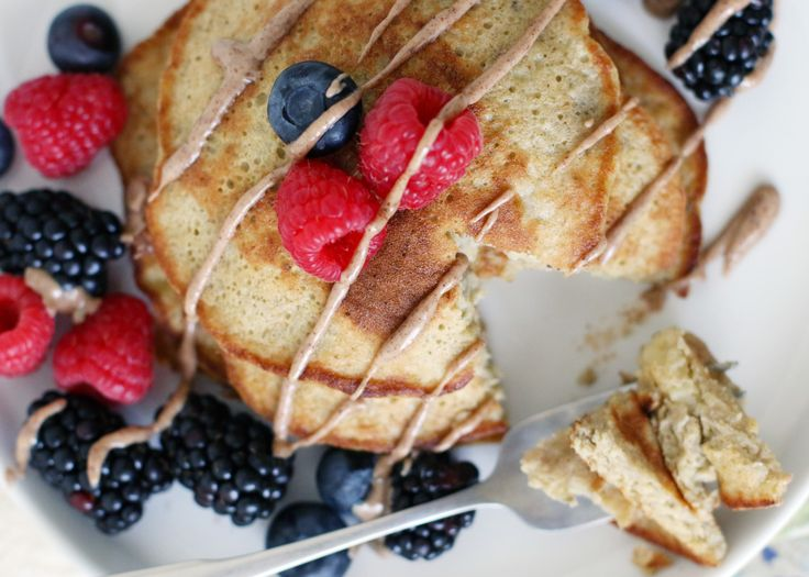 FP Escapes: Protein Banana Pancakes from Mikaela Reuben | Free People Blog #freepeople