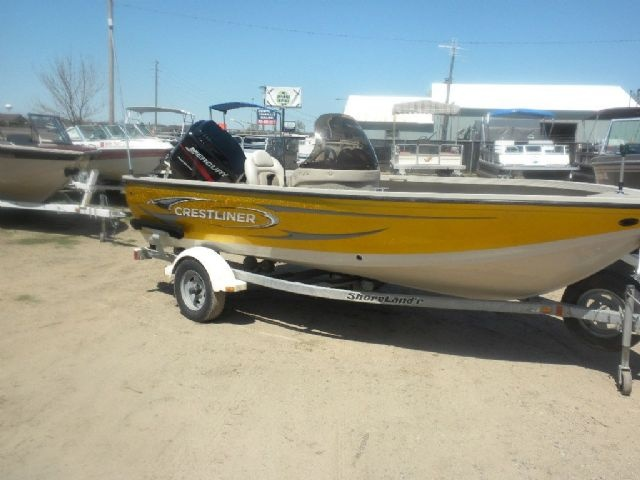 16 5 feet 2002 crestliner fish hawk freshwater fishing for Fishing boats for sale mn
