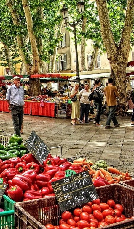 Market - Aix-en-Provence, France...would love to be strolling down this boulevarde :)