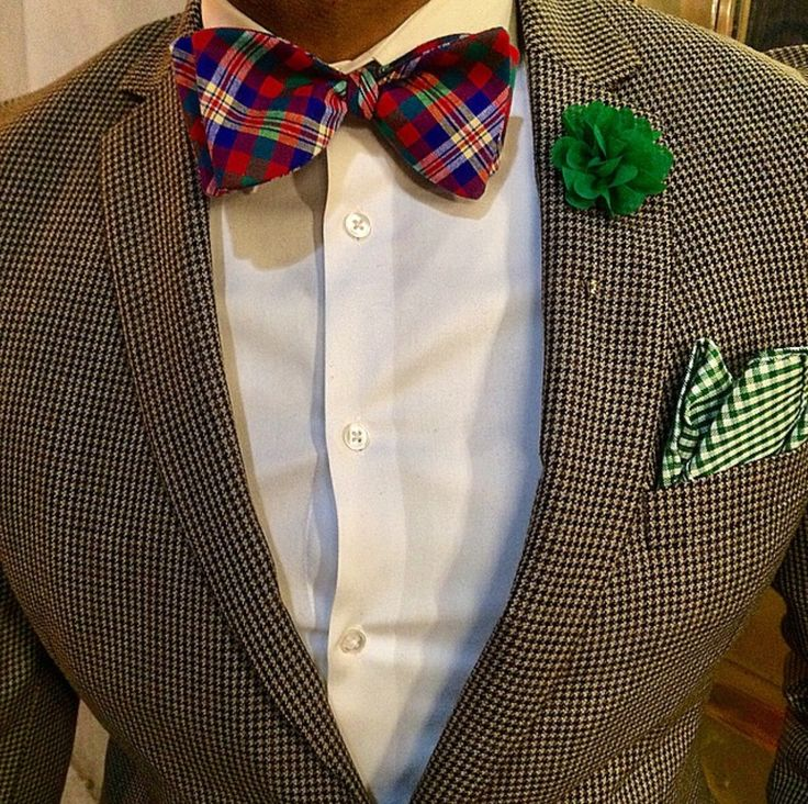 Tartan Bow tie mood #tartan #Elegance #Fashion #Menfashion #Menstyle #Luxury #Dapper #Class #Sartorial #Style #Lookcool #Trendy #Bespoke #Dandy #Classy #Awesome #Amazing #Tailoring #Stylishmen #Gentlemanstyle #Gent #Outfit #TimelessElegance #Charming #Apparel #Clothing #Elegant #Instafashion #bowtie