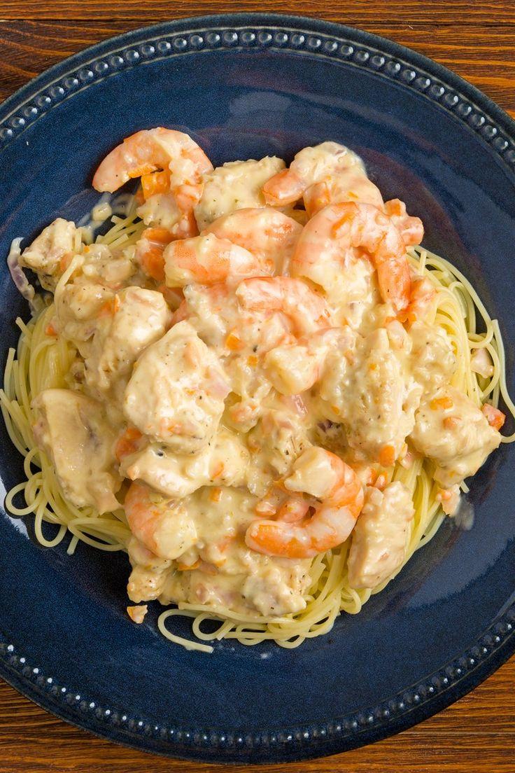 Copycat Olive Garden Chicken and Shrimp Carbonara Recipe
