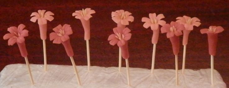 Pulled sugar flowers