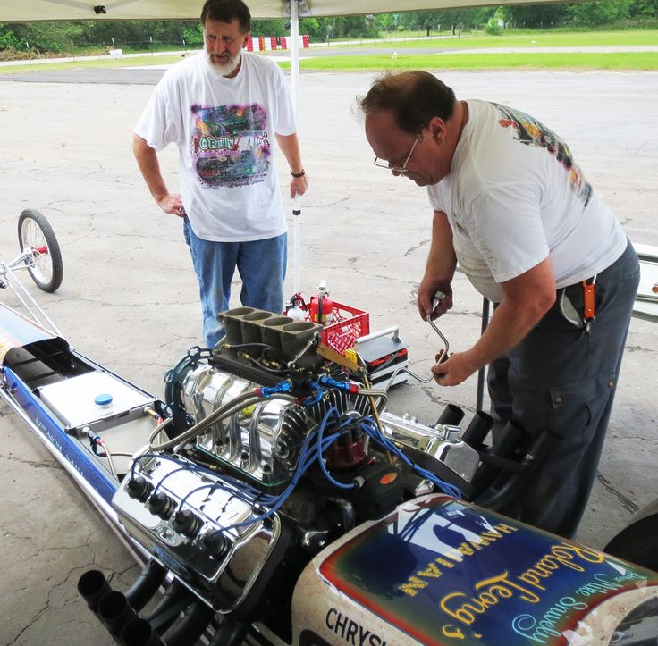 John Dearmore and Frank Heinig set out to achieve one of the holy grails of historic drag racing: the Roland Leong Top Fuel dragster, the Hawaiian. http://www.dragracingscene.com/features/alahouana/