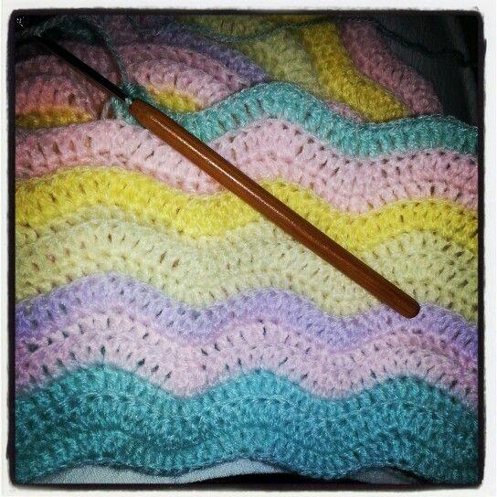 Wavy crochet blankie
