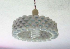 Si tienes muchos tapones de botella por casa ya tienes algo que hacer con ellos :-)