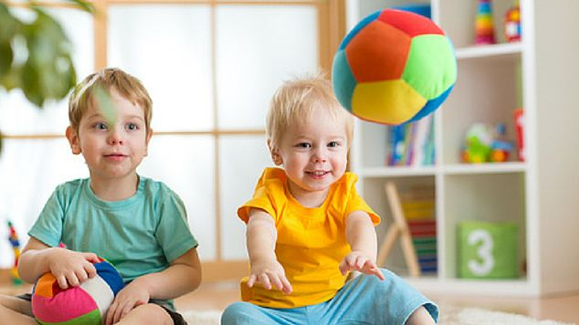 15 Toddler Party Games Featured