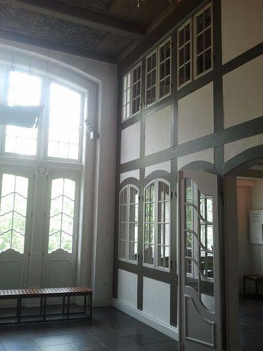 Modell einer Kaufmannsdiele im Museum für Hamburgische Geschichte. So könnte das alte Haus von Sarahs Familie ausgesehen haben, das dann der Speicherstadt weichen musste.