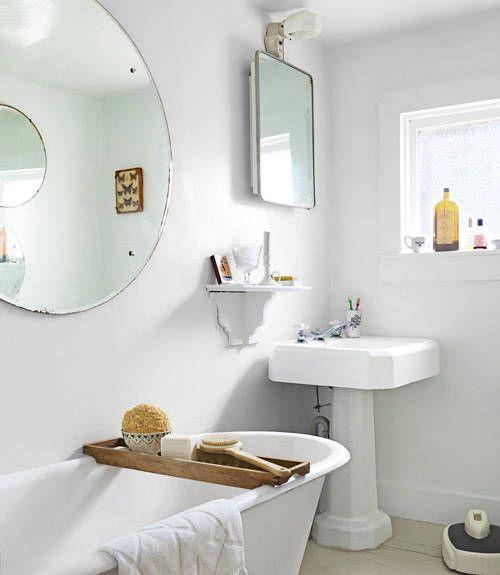 Bagno in bianco con vasca