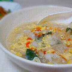 冷凍庫のお掃除メニュー☆ 中途半端に残っていたしゅうまい2コを細かく刻んで、そこに冷凍コーンと冷凍ネギ、ボリューム出すためにマロニーちゃんをいれ卵をとじて中華スープにしました(*´˘`*)♡ ラー油たらすとさらにおいしかったです♬ - 15件のもぐもぐ - 中華スープ by sakurapandasan